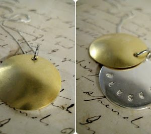 How To-sday (How Fri-day?) – Hidden Message Locket Necklace thumbnail