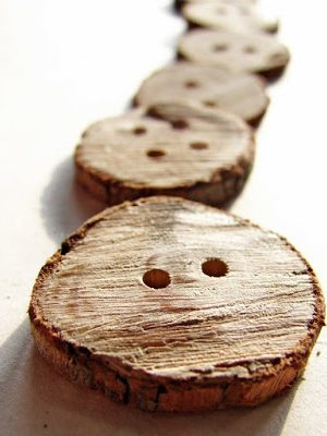 How To-sday – Wooden Branch Buttons thumbnail