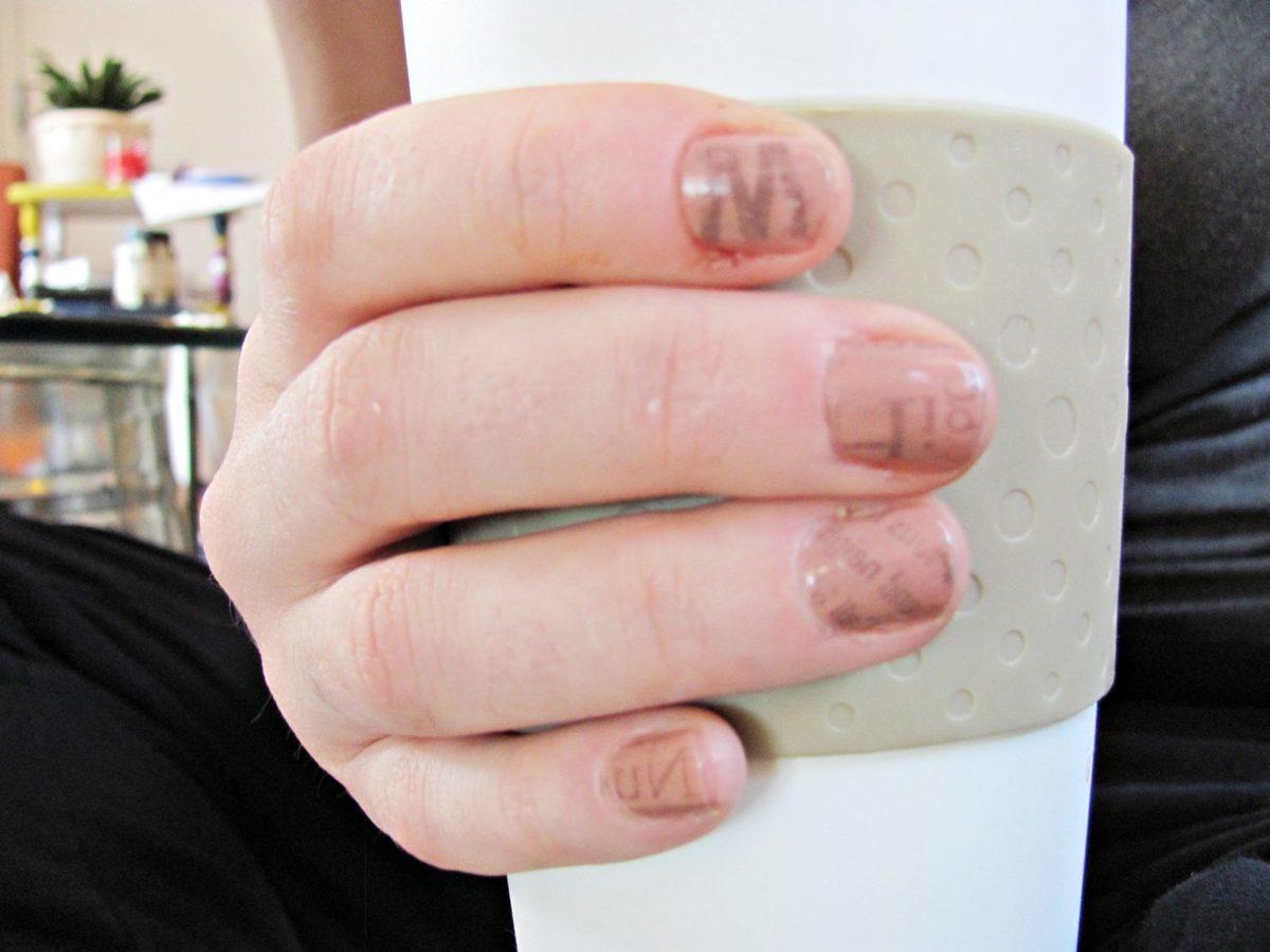 diy cool . newsprint nails - Shrimp Salad Circus