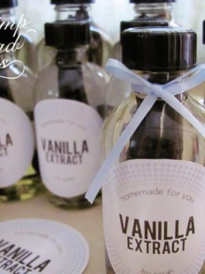 Homemade Vanilla Extract . How To-sday thumbnail