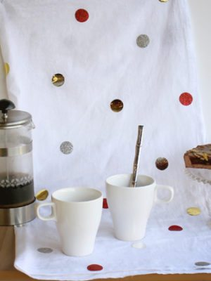 Metallic Confetti DIY Christmas Tea Towel  – How To-sday thumbnail