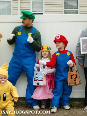 7 DIY Halloween Costumes for Geeks thumbnail