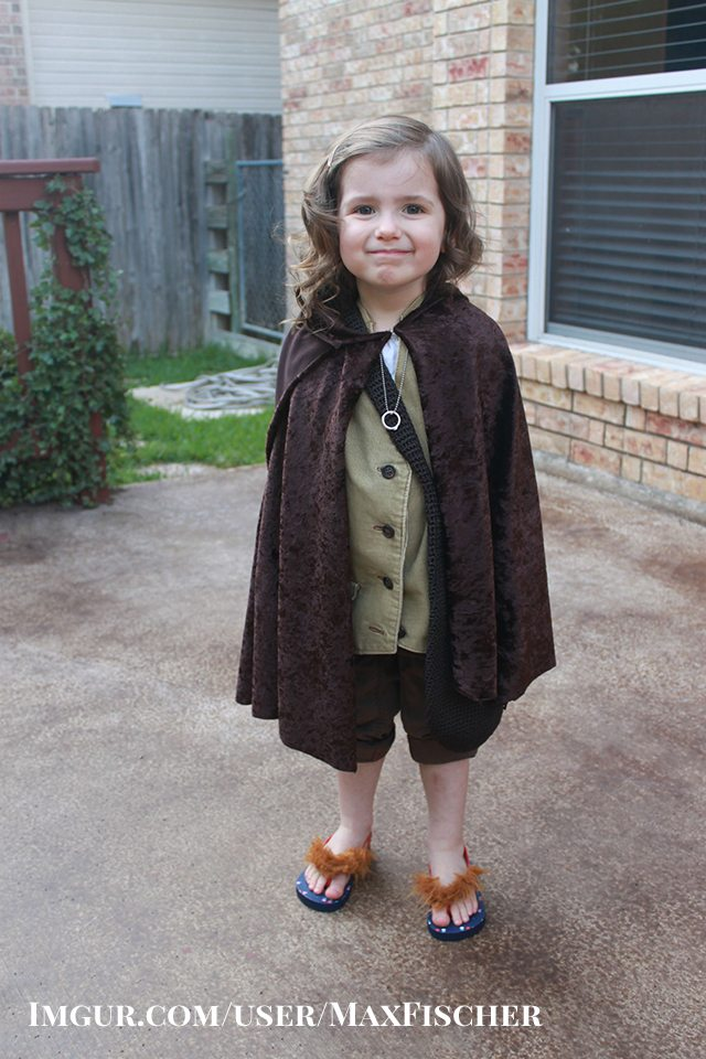 DIY Frodo Baggins Halloween Costume