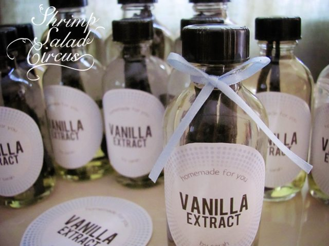 Homemade Vanilla Extract for the Holidays