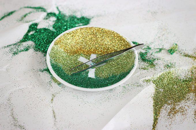 Glitter-Snowflake-Dish-Tutorial-Step5