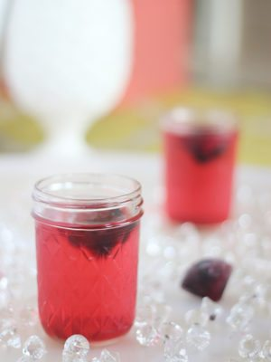 Diamond Fruit Ice Cubes & Tea Punch – Good Eats thumbnail
