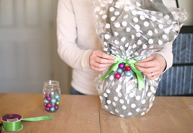 How to Wrap Christmas Presents - Burlap Fabric and Polka Dots
