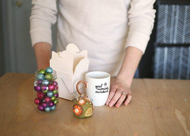How to Wrap Christmas Presents - Coffee Mug - Supplies