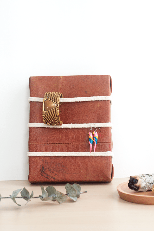 DIY Leather and Rope Jewelry Organizer How Tosday Shrimp Salad