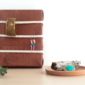 DIY Leather and Rope Jewelry Organizer - How To-sday