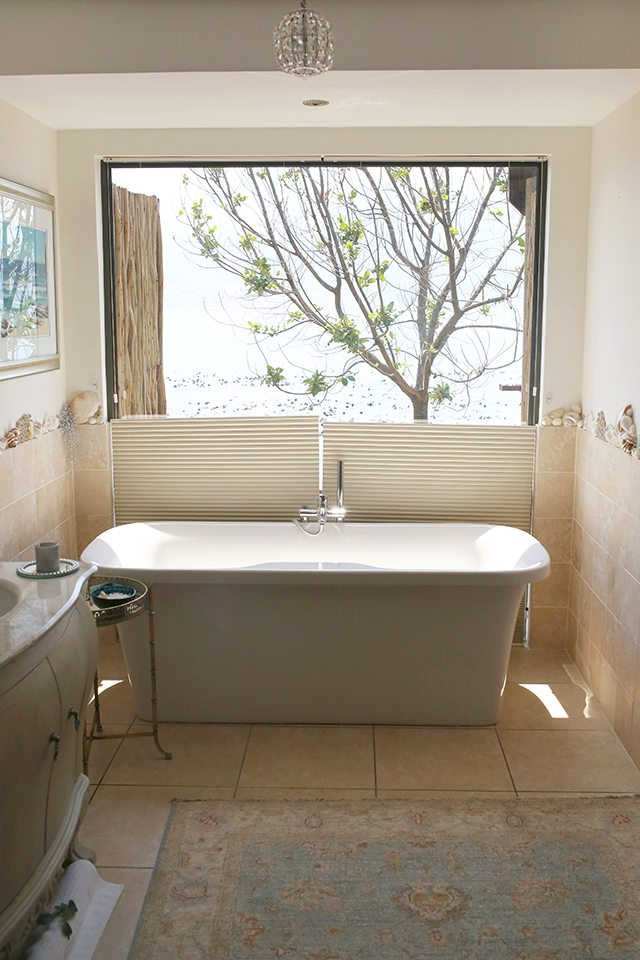 Cape Town Travel Guide - Where to Stay - Tintswalo Atlantic Soaker Tub