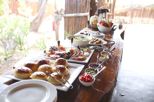 Safari at Kruger Travel Guide - Where to Stay - Breakfast at Africa on Foot