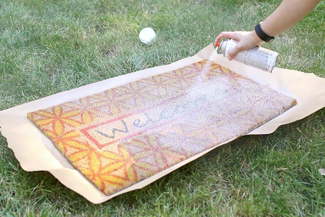 Pom Pom Rug Doormat - Step 1