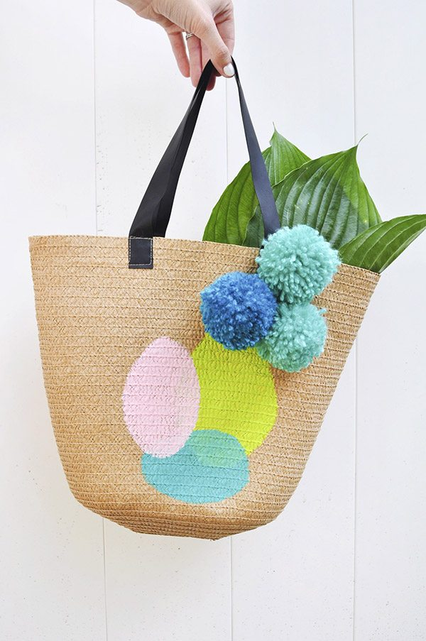 DIY Pom Pom Projects - Painted Summer Tote Bag