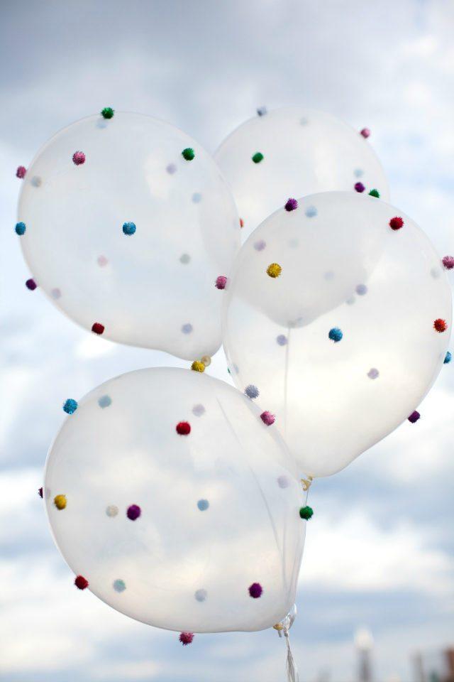 1 DIY Pom Pom Balloons