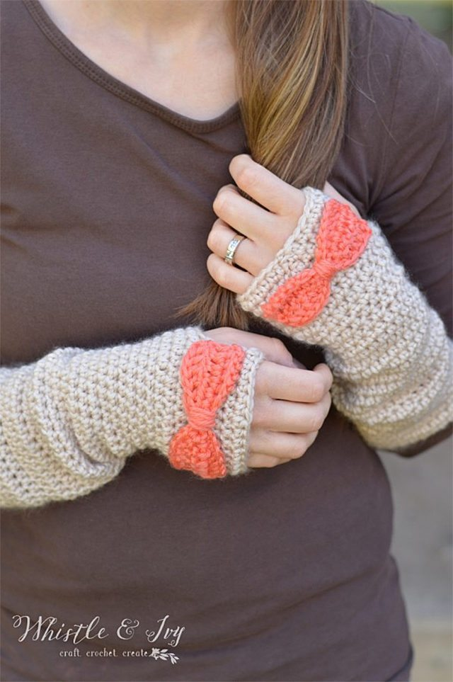 dainty-bow-crochet-arm-warmers-by-whistle-ivy