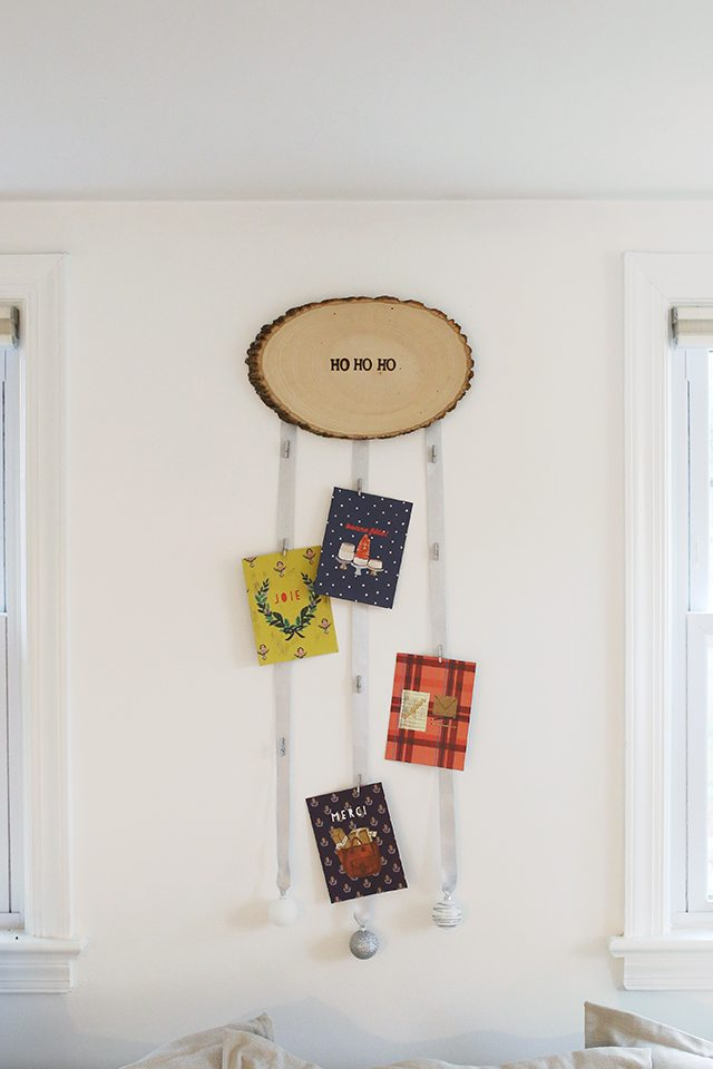 diy-christmas-card-holder-from-wood-slice-1