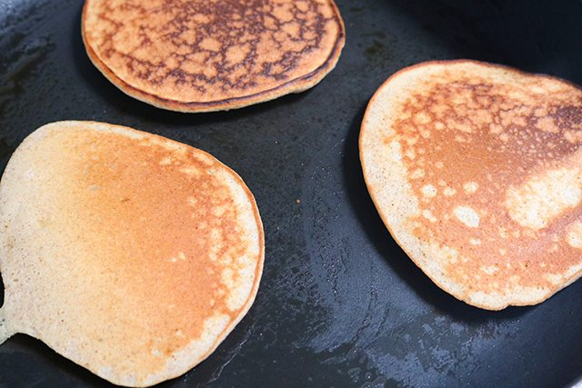 Gluten Free Banana Pancake Recipe - Step 5