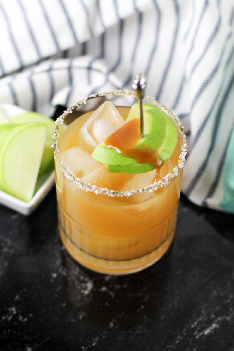Salted Caramel Apple Cocktail Recipe