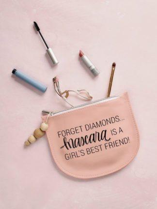 DIY Makeup Bag – Mascara Is a Girl's Best Friend thumbnail