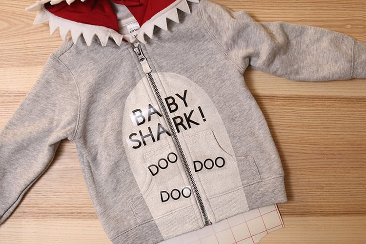 DIY Baby Shark Song Costume for Halloween - Step 9