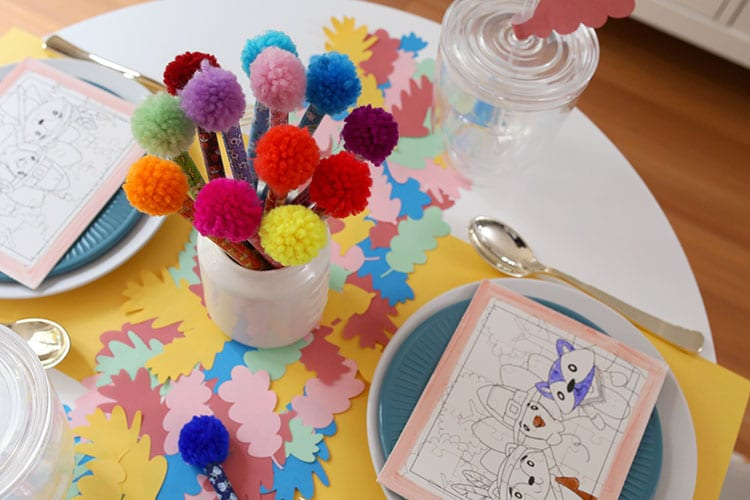 How to Decorate a Kids Thanksgiving Table