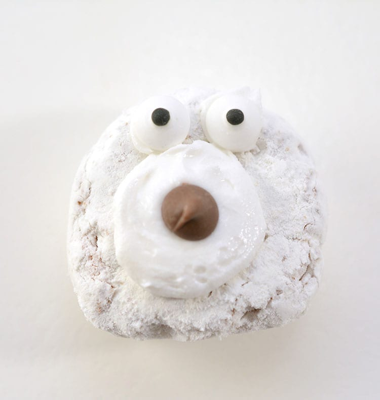 Recipe for Polar Bear Christmas Donuts - Step 2