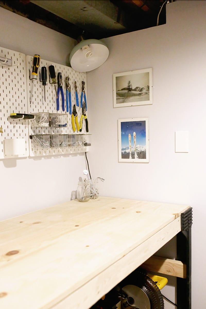 Basement home workshop ideas, like this pine custom diy workbench with a 2 x 4 basics workbench kit