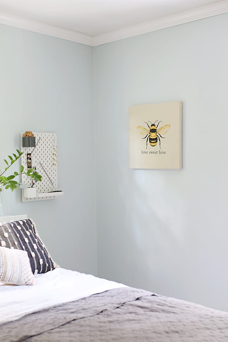 Faux Easy Embroidery - Bumble Bee Wall Art