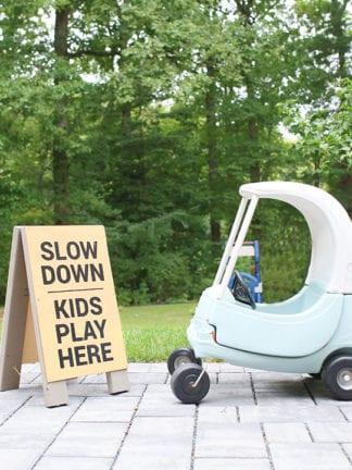 How to Make a Slow Kids at Play Yard Sign thumbnail