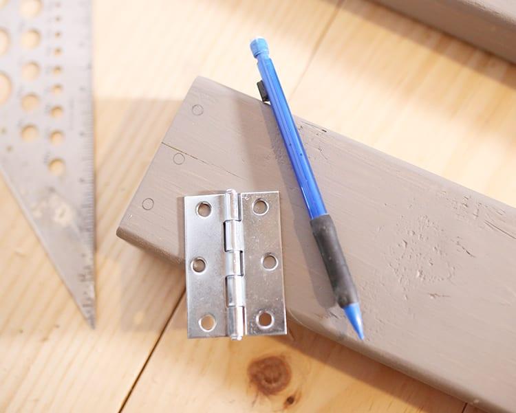 DIY Wood Frame Sign - Step 4