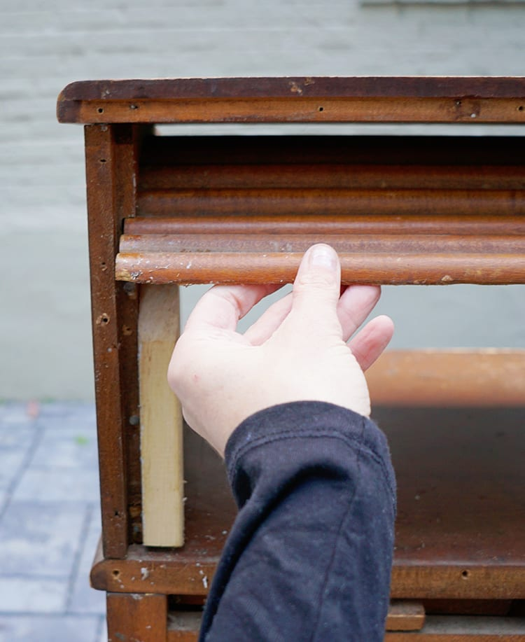 Removing the Roll Top from a Vintage Desk Tambour