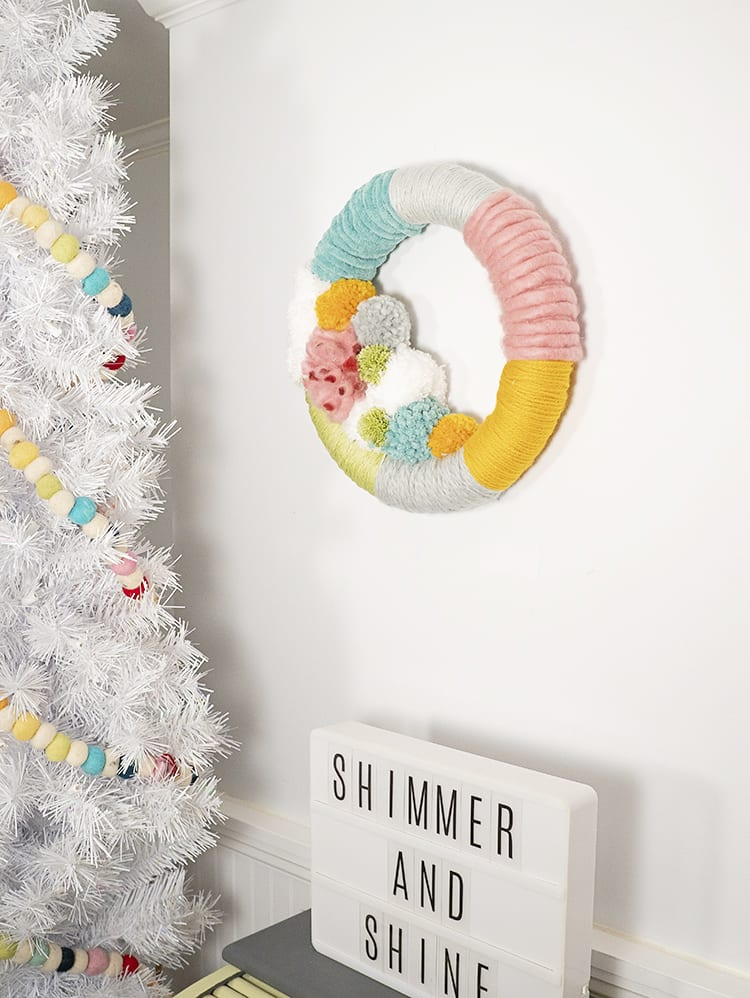 How to Make a Wreath Step by Step with Yarn