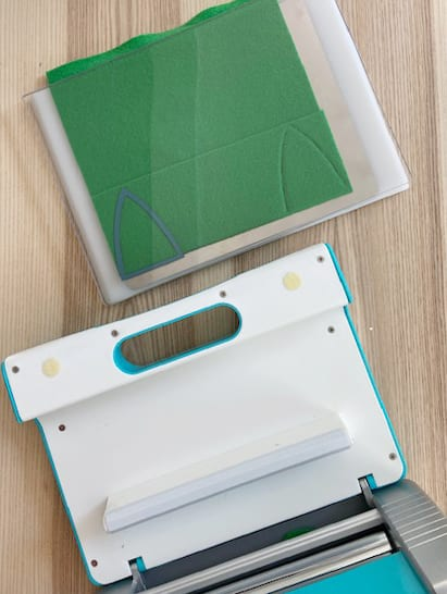 Crafter's Edge Crossover II Die Cutting Machine with Green Felt