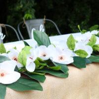 Make this DIY magnolia garland!