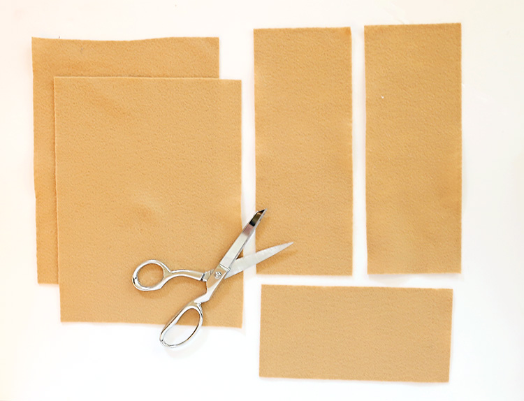 How to Cut Felt to Make a Play Grocery Bag
